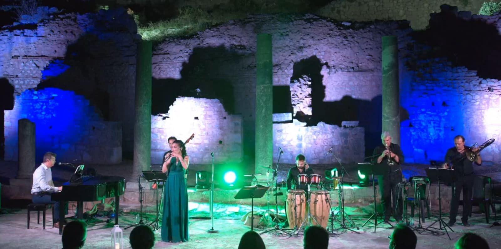 η Φωτεινή Δάρρα live από τους Δελφούς!
