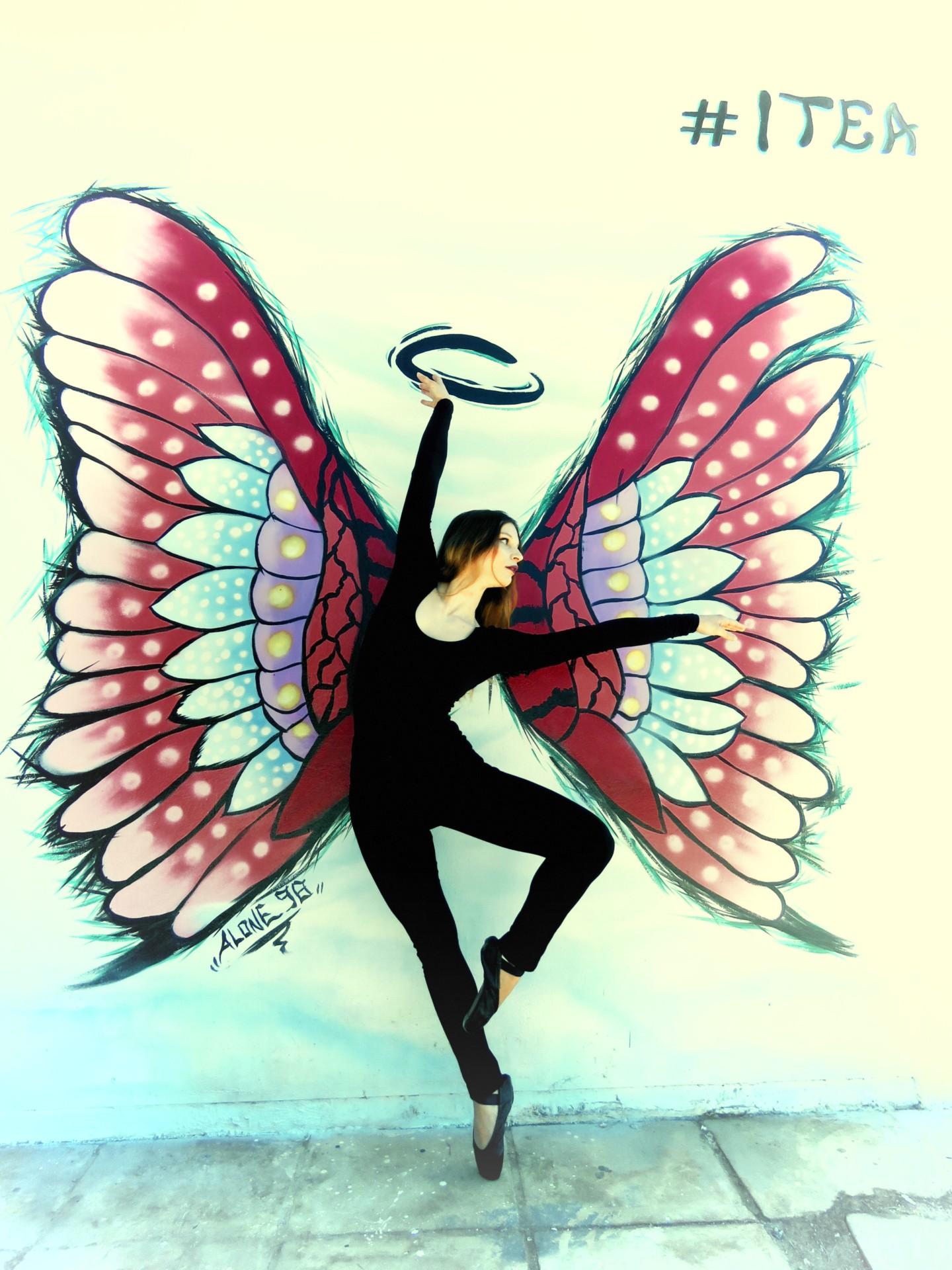 """Τα  """"φτερά του έρωτα"""" σημείο αναφοράς στην παραλία της  Ιτέας…."""